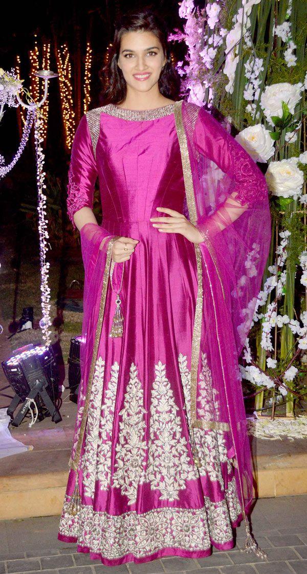 Kriti Sanon at Manish Malhotra's niece Riddhi's sangeet. #Bollywood #Fashion #Style #Beauty