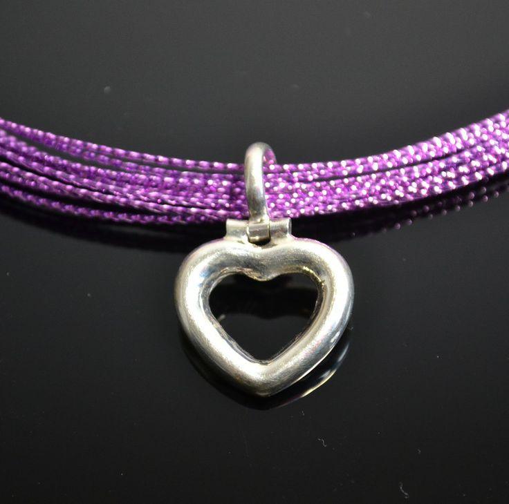 Zilveren hanger in hartvorm Ook als bedel te gebruiken. prijs: 19,95 € Gratis verzending in NL  www.dczilverjuwelier.nl