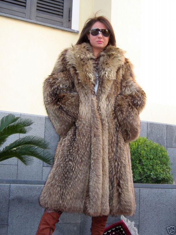 totally scrumptious FL finnish raccoon coat! Winter want