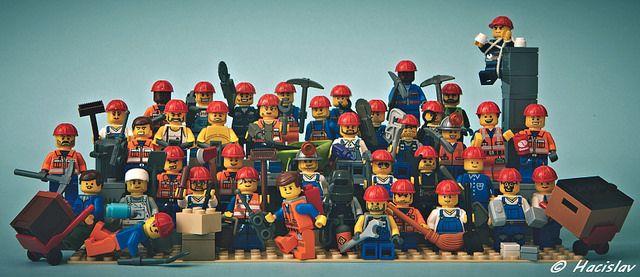 """""""My se práce nebojíme"""" - skupina minifigů pro soutěž na w.kostky.org"""