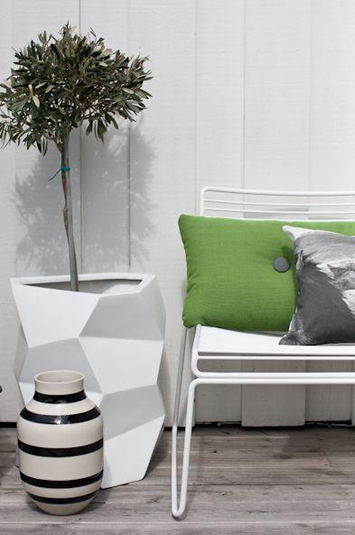Hee lounge chair by Hay. Via Lei Living.
