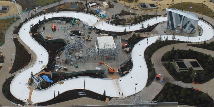 "Chicago Holiday Must-Do: the new ice skating ""ribbon"" in Maggie Daley Park #travel #roadtrips #roadtrippers"