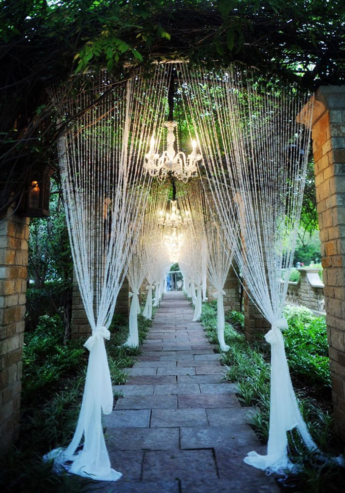inspiring crystal decor ideas for royal wedding ceremony entrance