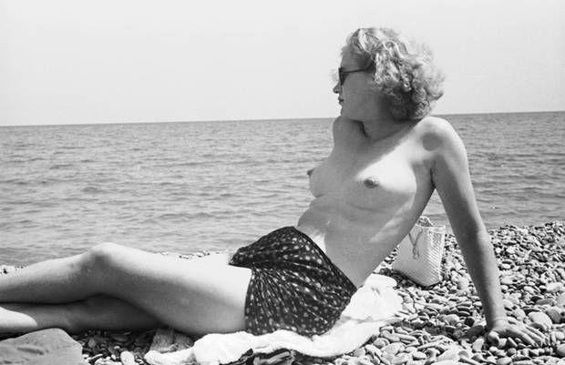 Lee Miller, Antibes... Roland Penrose, 1939