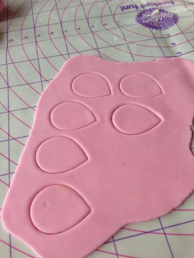 how to make sugar gum paste flowers