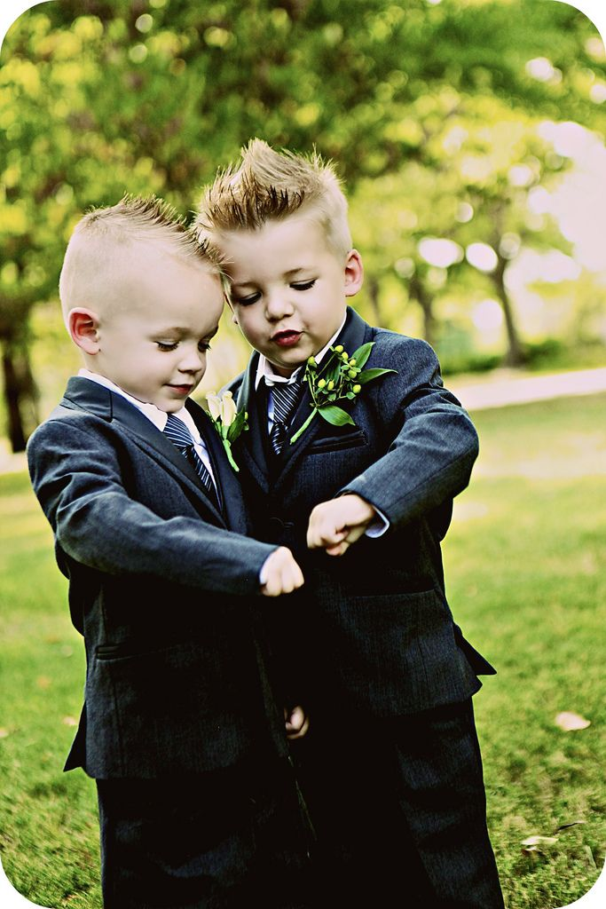 Adorable!!!! I want a photo like this taken on my wedding day~~~ <3 super cute :) ring boys