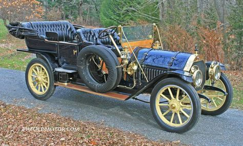 1910 Thomas-Flyer 6-70 Seven Passenger Touring Car....made in Bufallo, NY...