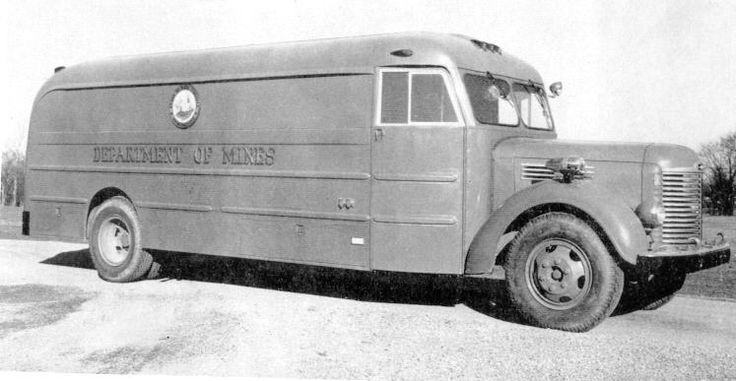 Mine Rescue Truck belonging to WV Dept. of Mines 1949.jpg (123167 bytes)