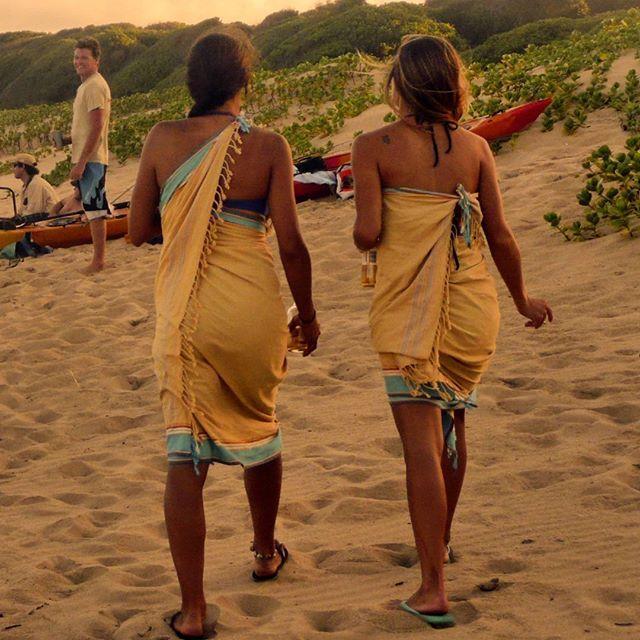 Sunset time ☀ Strandtuch / Toalla de playa / Beachtowel #sunset #girls #fun #bestfriends…