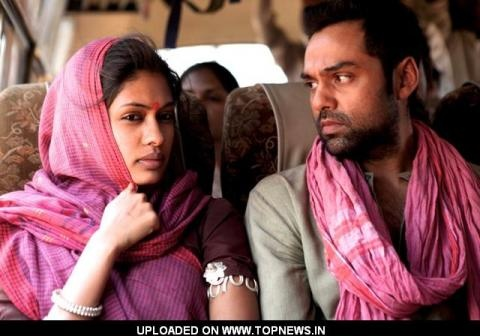 Chakravyuh Movie Still of Anjali Patil and Abhay Deol