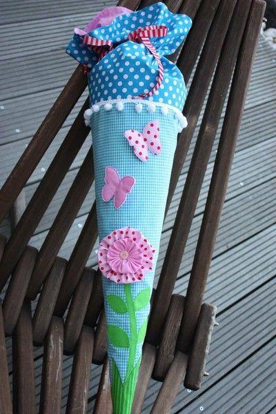 Schultüte/Zuckertüte Stoff mit Blume und Schmet... von ❤ larimari ❤ auf DaWanda.com