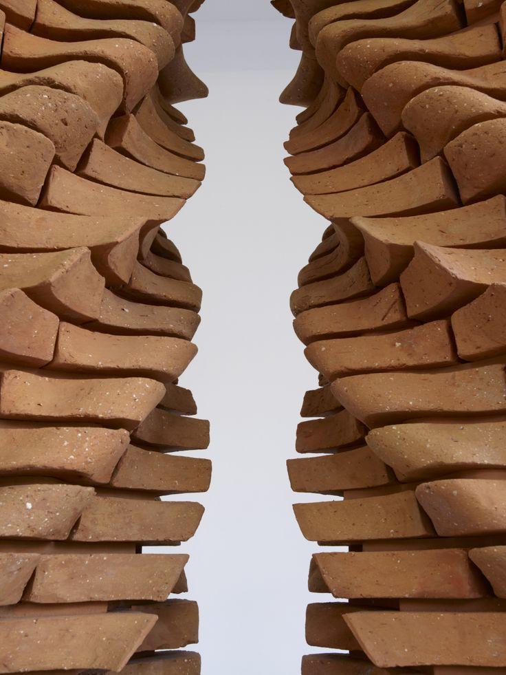 Raphaël Zarka, Le cénotaphe d'Archimède, 2011.(détail), brique,  Production le Grand Café. Courtesy galerie Michel Rein, Paris. © Marc Domage