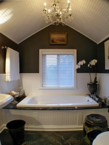 Love the gray walls, chandy & wood ceiling: Bathroom Design, Beads Boards, Bedrooms Design, Bathtubs, Interiors Design, Beadboard, Bathroom Ideas, Master Bath, Eclectic Bathroom