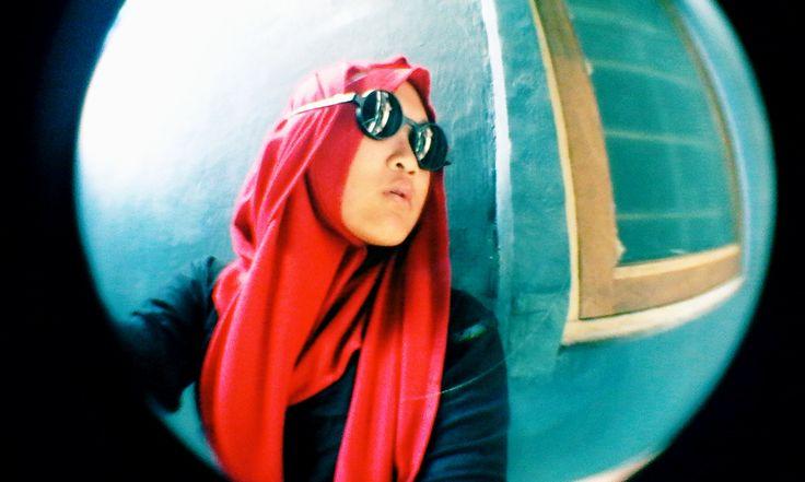 #Hijab #Red #Vintage #Hijabers #Hijabitas