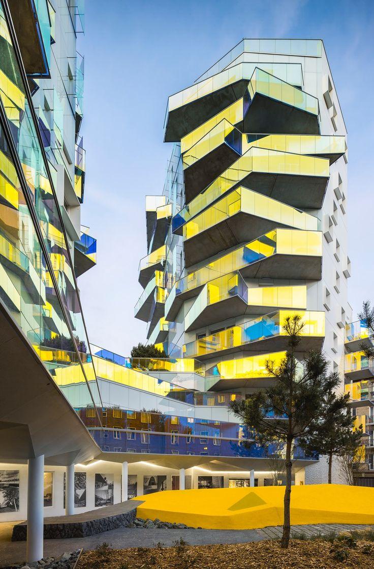 Kaleidoscopic: 7 Mesmerizing Dichroic Glass Structures - Architizer