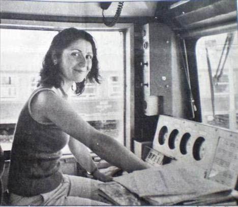 Seher Aytaç, ilk kadın makinistimiz.