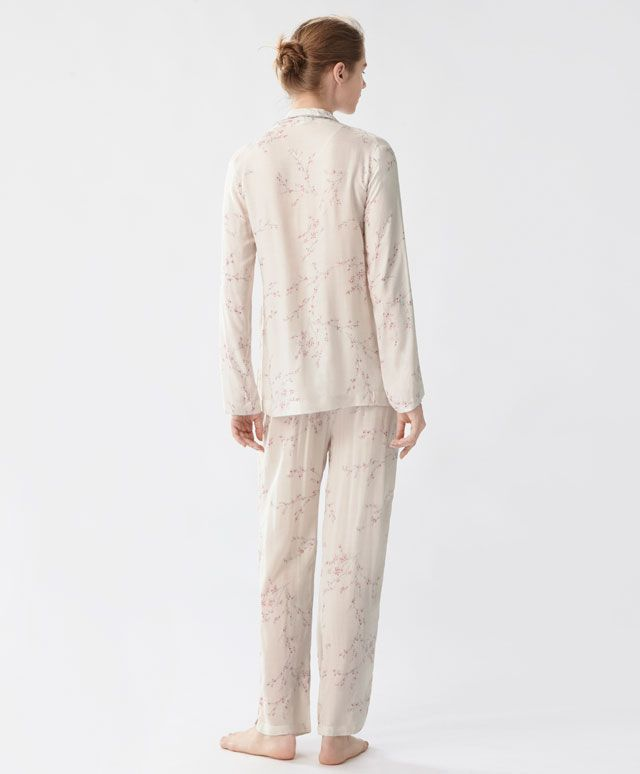 Pantalón cerezo - Ver Todo - Tendencias AW 2016 en moda de mujer en Oysho online: ropa interior, lencería, ropa deportiva, pijamas, moda baño, bikinis, bodies, camisones, complementos, zapatos y accesorios.