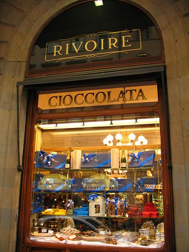 Breakfast at Le Revoire in Piazza della Signoria - I may well be back later for one of their famous hot chocolates, best in the whole world!