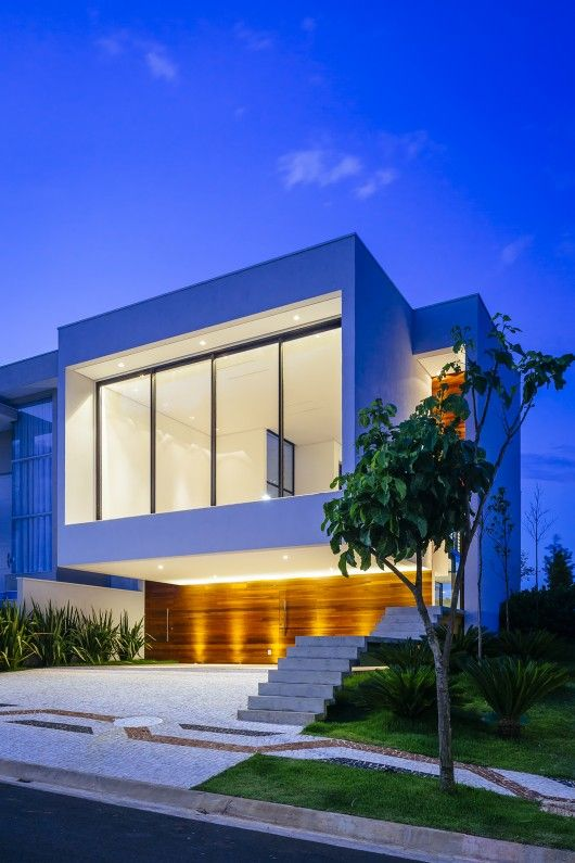 Low energy consumption  In this project, the hot water is generated by solar energy collectors, the natural lighting is prevalent in all roo...