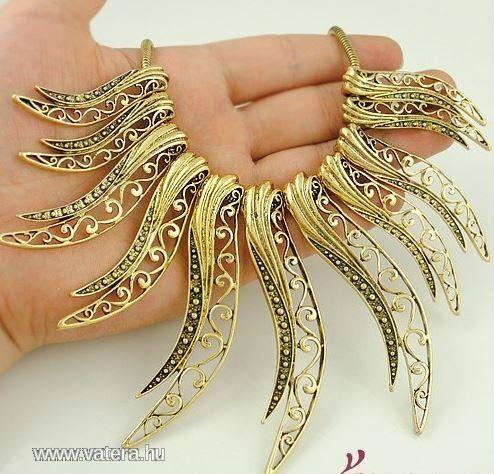 Női LUXUS nyakék, Vízesés merev nyaklánc,óarany - 1890 Ft - Nézd meg Te is Vaterán - Bizsu nyaklánc - http://www.vatera.hu/item/view/?cod=1872575759