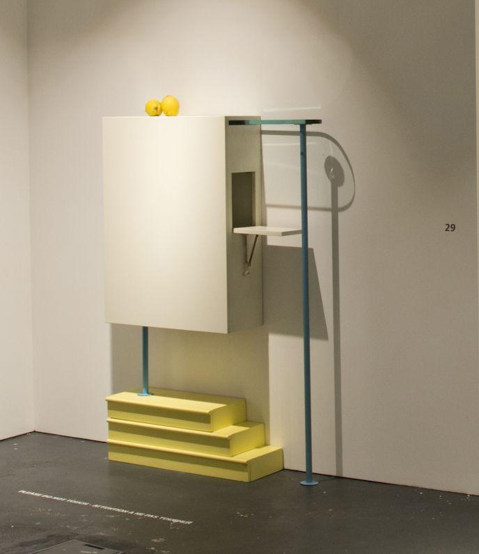Bar Milano, 1979, Collection Bauhaus 1, édition Alchimia, bois et métal,  Collection ©musée des Arts décoratifs et du Design, Bordeaux ph. l.Gauthier