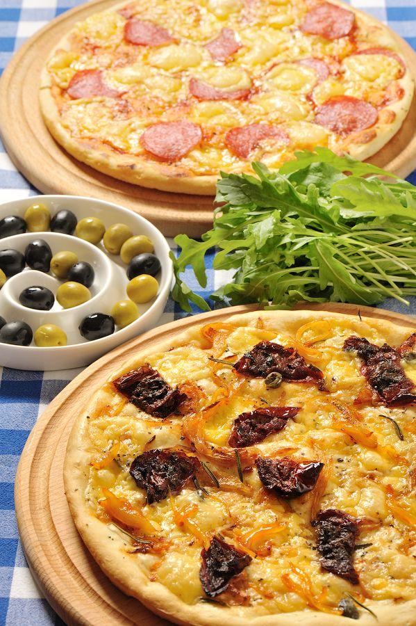 Что в наше время может быть банальней пиццы и кого нынче ею можно удивить? Кто только не дает ее рецептов в сети! Вариантов пиццы столько же, сколько и вариантов…
