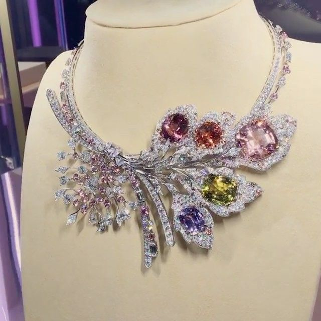 """""""Rhapsodies Transatlantique"""" necklace in white gold and yellow gold set with a cushion cut morganite of 29.77 Ct, an oval cut chrysoberyl of 23.38ct , an oval cut imperial topaz of 12.87ct , an oval cut pink tourmaline of 12.21ct , a cushion cut tanzanite of 10.58ct, a pear shaped D VVS2 diamond of 2.12ct , 30 EFVVS diamond, round Umba garnets, brilliant cut champagne diamonds & brilliant cut & baguette cut diamonds!! @chaumetofficial @chaumet_arabia !! #chaumetestunefete #highjewe"""