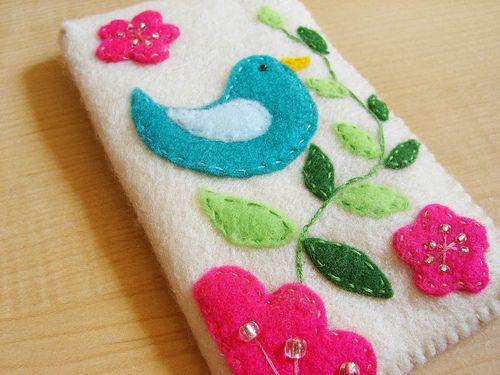 Bird felt case by Familycraft, via Flickr