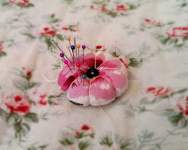 Rozeta handmade: Moje małe szycie, kwiatek, kwiatek ręcznie szyty, igielnik