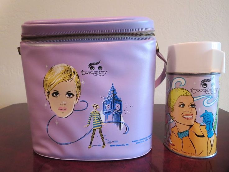 ***BEAUTIFUL***  Vintage 1967 TWIGGY  Vinyl Lunch Box & Thermos (NO SPLITS) ~ This is a really beautiful 1967 Twiggy brunch bag with great colors & graphics!  The quality of the box & zipper are superb!  While the thermos looks great it does have a small dent as shown in the last pic.