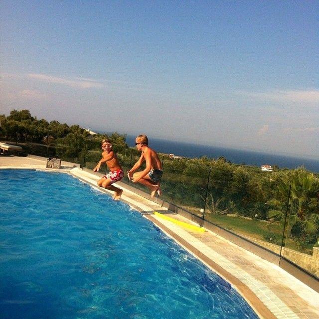 Hey! Ready for the big splash? #PaliokalivaVillage #Zante #Summer Photo credits: @dyasvet