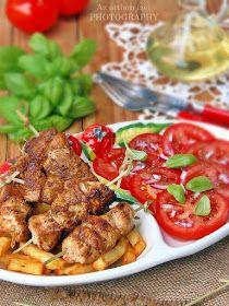 Nyári időszakban nagy keletje van a pácolt húsoknak, amit aztán a kerti grillen, vidám poharazgatás közben sz...