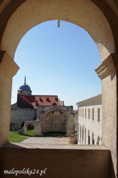 Zamek w Janowcu (woj. lubelskie). http://www.malopolska24.pl/index.php/2013/03/zamek-w-janowcu/