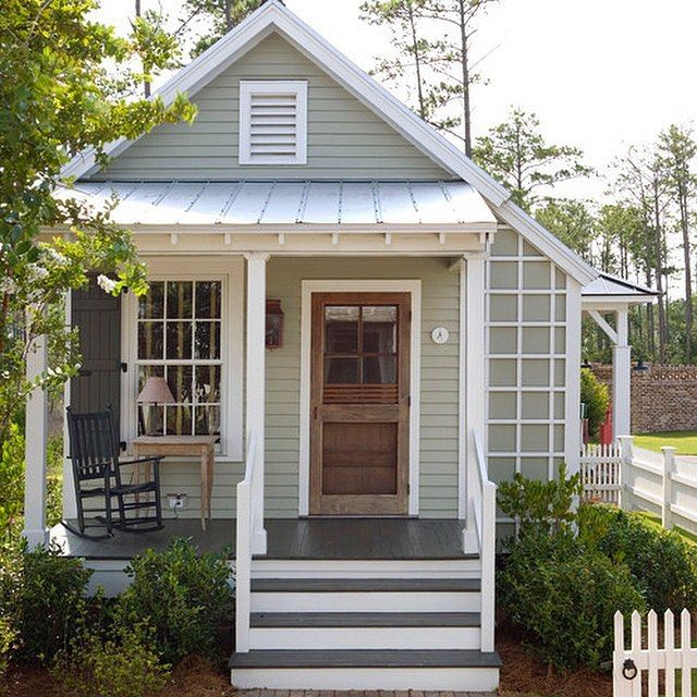 Sooooo sweet! This tiny cottage would make the perfect craft studio!!