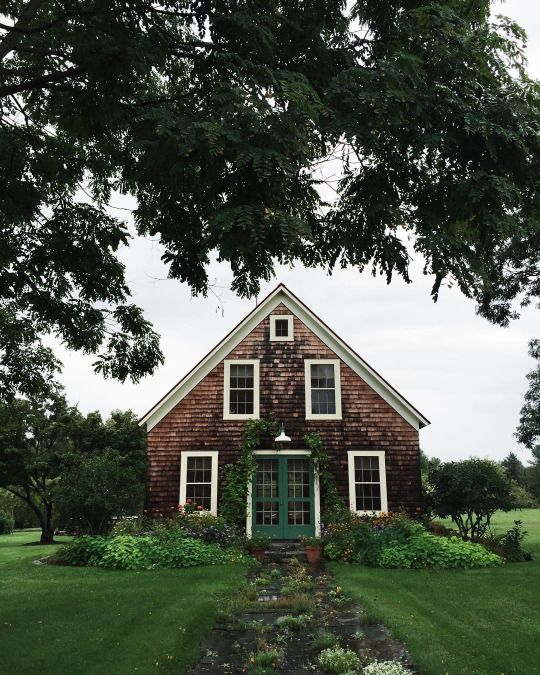 17 best ideas about shingle siding on pinterest exterior for Cottage exterior siding ideas