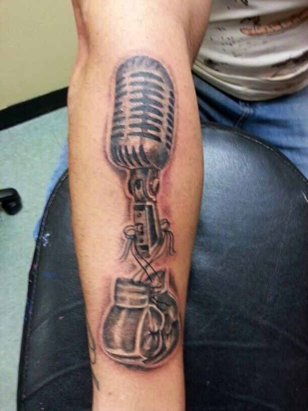 Microphone and boxing gloves black and gray tattoo for Henna tattoo in puerto rico