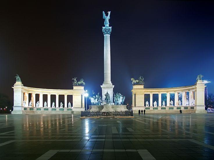"""Képtalálat a következőre: """"budapest hősök tere este"""""""