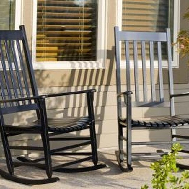 How To Paint And Care For Cracker Barrel Rockers How To Paint Porches And Crackers