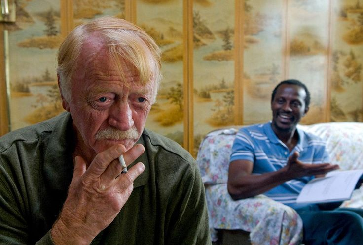 Red West and Souleymane Sy Savane in Goodbye Solo (2008) http://www.movpins.com/dHQxMDk1NDQy/goodbye-solo-(2008)/still-3905459200