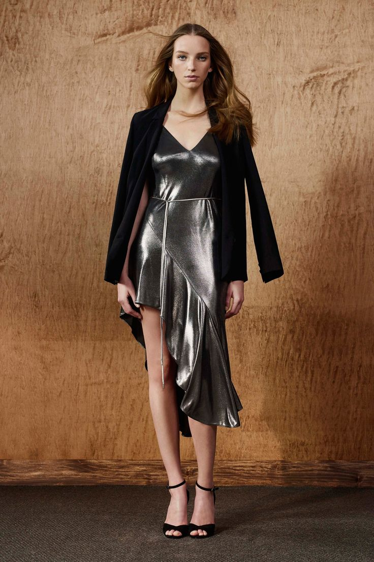 http://www.vogue.com/fashion-shows/fall-2017-ready-to-wear/halston-heritage/slideshow/collection