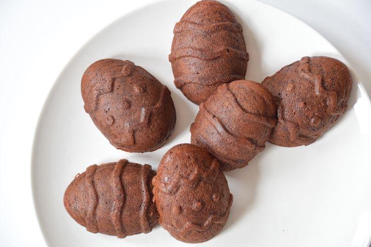 Zoek je iets lekkers voor bij de koffie met Pasen? Dan kun je deze Chocolade Paas cakejes van bakbananenmeel eens proberen! Gluten- en lactose vrij!