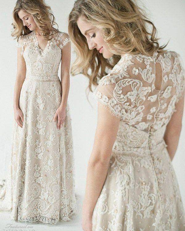 Um arraso de vestido de renda! <3