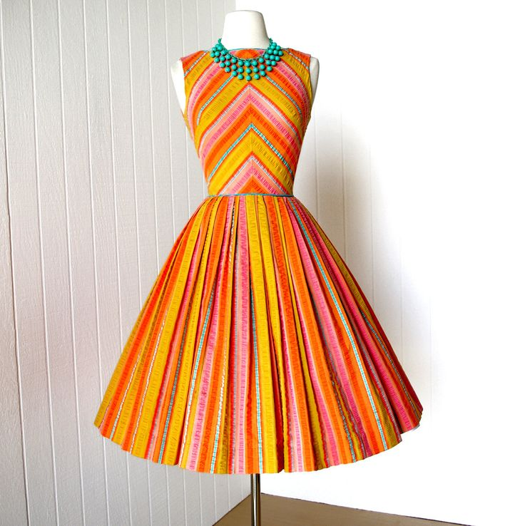 1000  images about Vintage dresses on Pinterest - 40s dress- 1960s ...