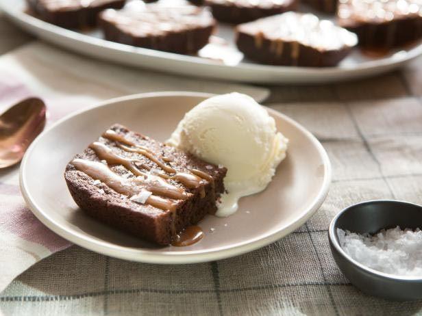 Brownie com Calda de Caramelo e Sal Marinho - Food Network