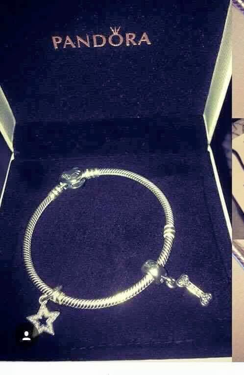 This was lost on 25/06/16 between the 77a bus into town and then in the city centre, Dublin. It was bought as a gift after her late pet. Thank you.