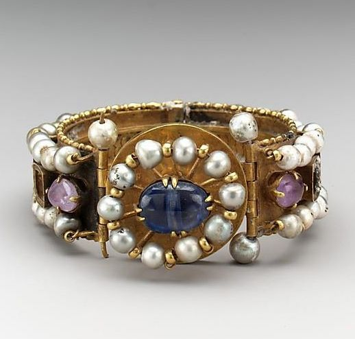 Bracelet, the sixth-seventh century - Byzantine culture, Gold, silver, pearls, amethyst, sapphire.