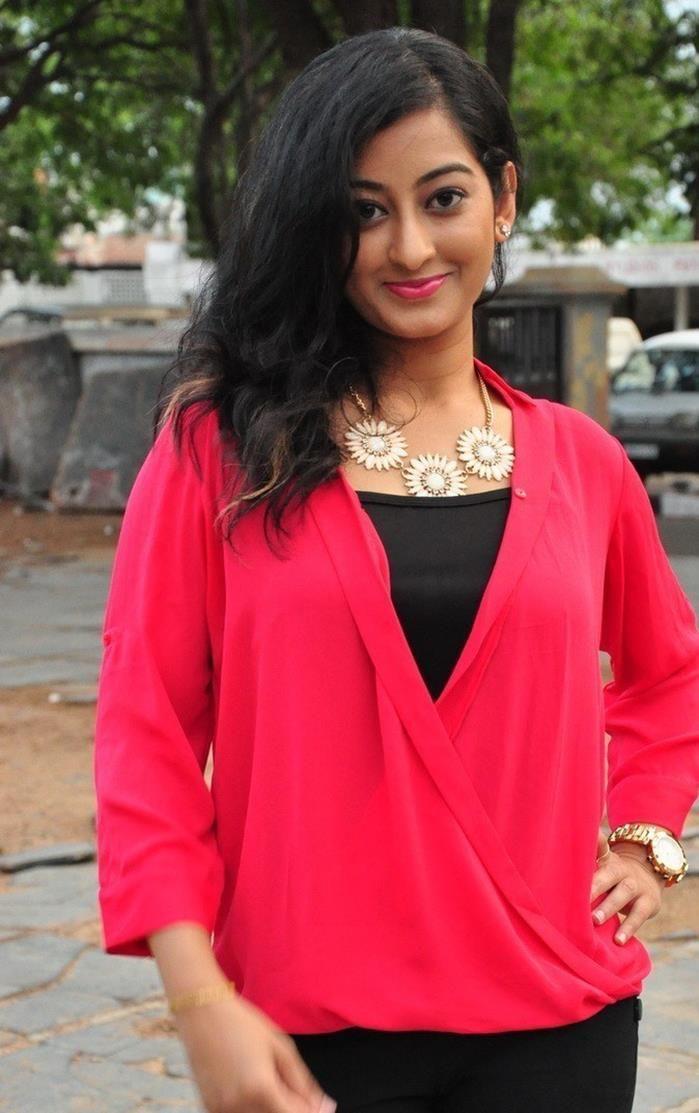 狠狠she_nice Tejaswini Telugu Actress Hot Gallery | Actresses, Celebrity photos, Fashion