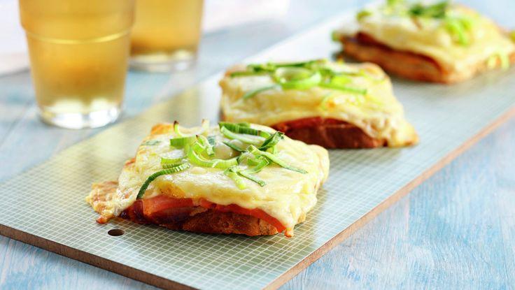 Ostesmørbrød med spekeskinke og ananas