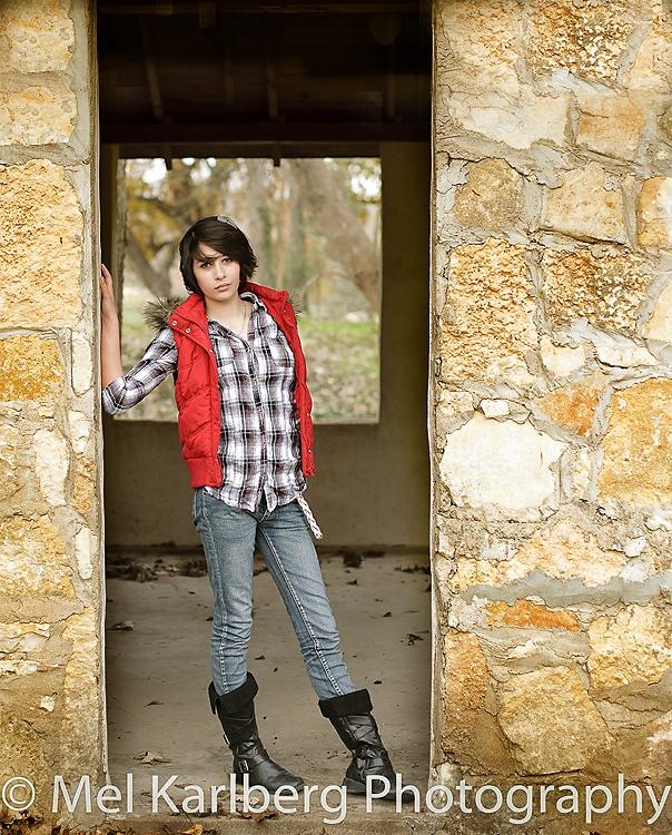 Senior session.  Double framing, doorway pose, contrasting colors, senior girl, Mel Karlberg Photography