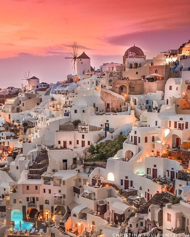 & @vsiras present this amazing shot by @christinatouloumtzidou Location: Santorini | Cyclades Islands | Greece www.dailytraveller.gr For your chance to be featured Follow @the_daily_traveller Tag #the_daily_traveller Check my personal account @vsiras & my new account @bestgreekhotels to discover the Best Hotels & Villas around Greece! Please visit my IG friends: @travel_drops @loves_greece_ @whatitalyis @travelanddestinations ---------------------------------------------------- #santo